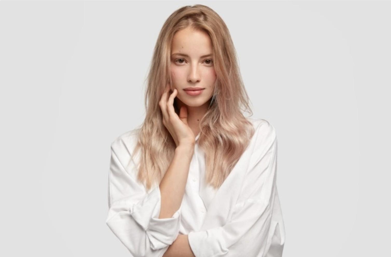 Maskne: Oι 6 τρόποι για να προστατεύσετε το δέρμα σας από την ακμή